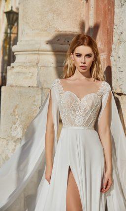 Свадебное платье в теплом оттенке
