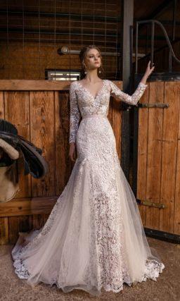 Кружевное свадебное платье рыбка с рукавами