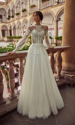 Изящное свадебное платье оттенка айвори