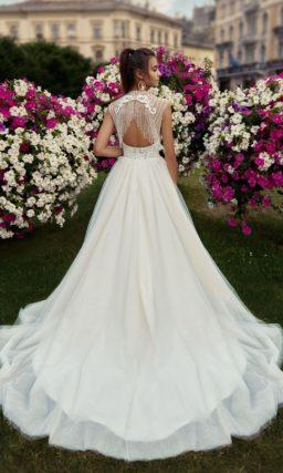 свадебное платье с пышной юбкой