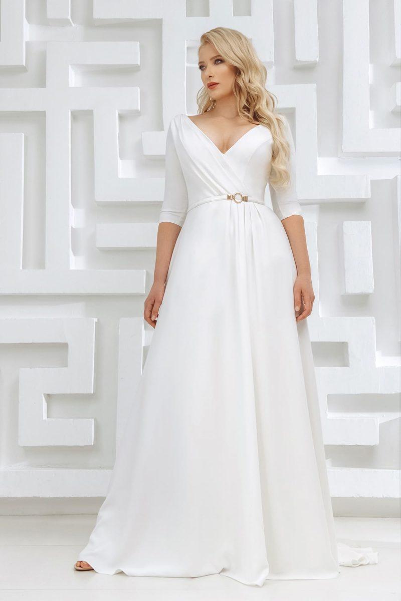 свадебное платье из белого крепа с рукавами до локтей