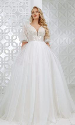 Пышное свадебное платье с  объемными рукавами