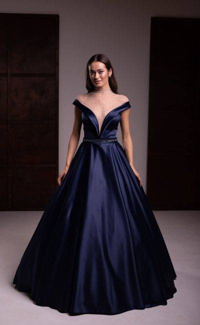 пышное вечернее платье из атласа