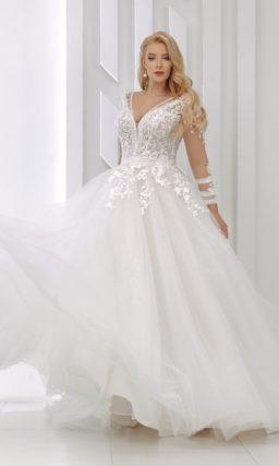 Пышное свадебное платье с длинными рукавами