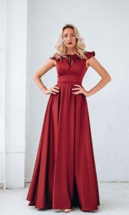 Вишневое женское платье