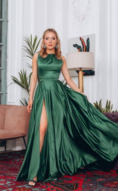 Длинное вечернее атласное платье