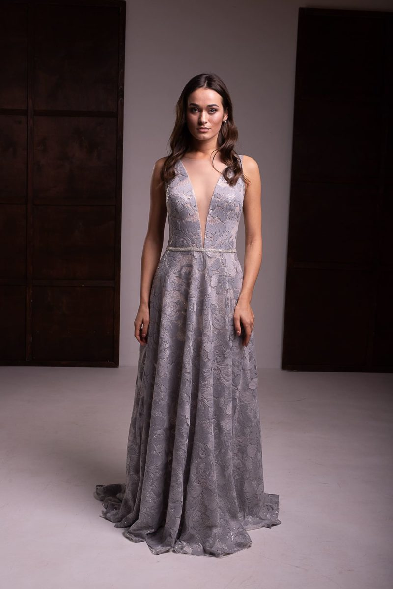 Серое платье из жаккарда