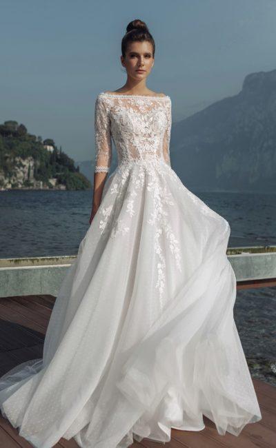 Пышное свадебное платье с классическим силуэтом