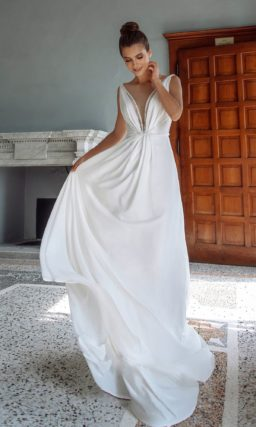 свадебное платье в стиле минимализм из молочного атласа