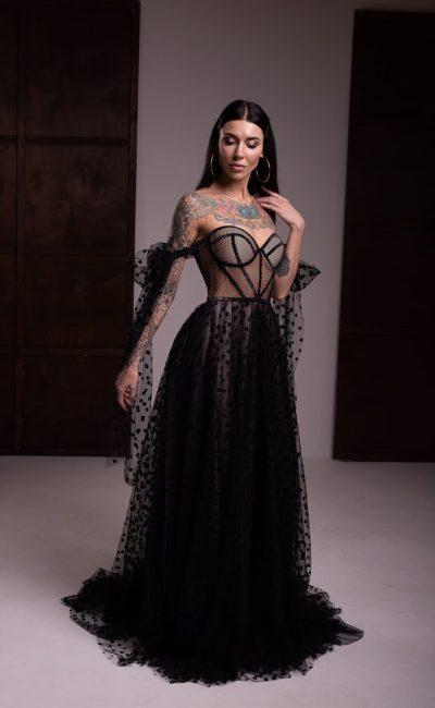 Вечернее платье с пышной юбкой в пол