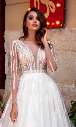 Пышное свадебное платье с открытой спинкой