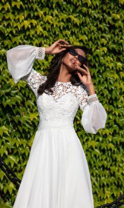 свадебное платье со сдержанным дизайном в этническом стиле