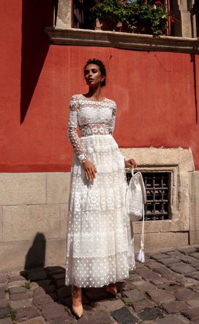 Свадебное дизайнерское платье чайной длины