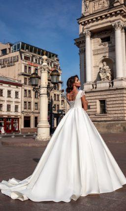 Пышное свадебное платье с корсетом