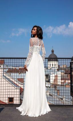 Свадебное платье с длинными рукавами и сдержанным дизайном