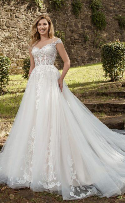 Свадебное платье с пышной легкой юбкой и нюдовым верхом