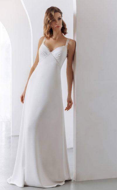 Женственное свадебное платье в бельевом стиле