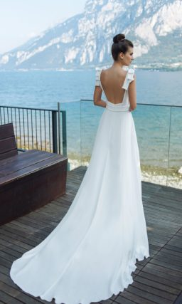 свадебное платье в греческом стиле из белоснежного атласа
