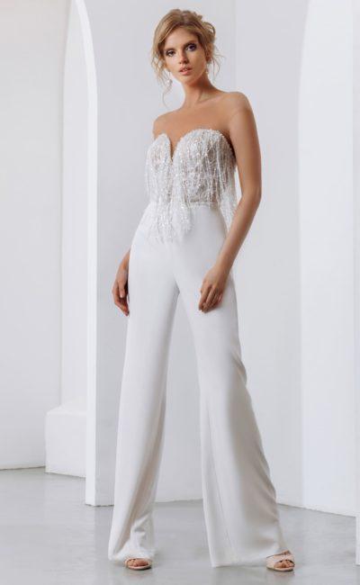 Свадебный костюм с расклешенными брюками