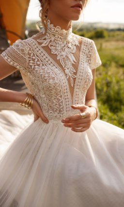 Свадебное платье бохо со шлейфом