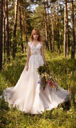 Пышное свадебное платье в пудровом оттенке