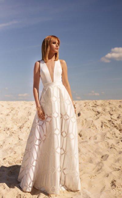 Свадебное дизайнерское платье в стиле минимализм