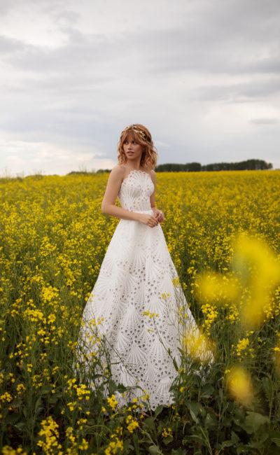 Свадебное платье из необычной кружевной ткани