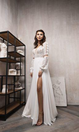 Лаконичное свадебное платье в стиле этно