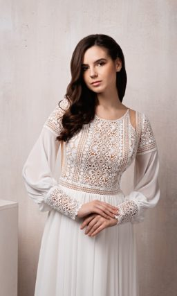 Прямое свадебное платье в этно стиле