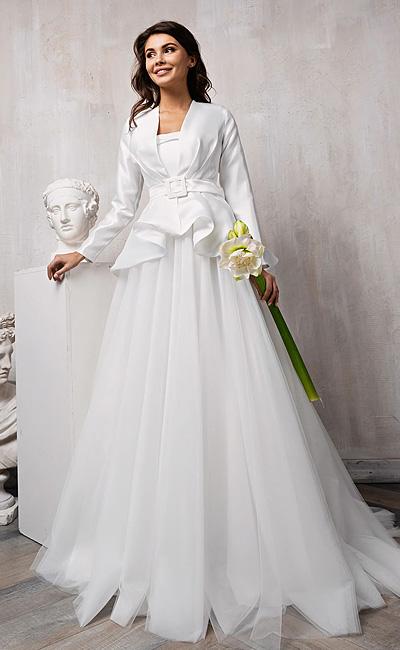 Пышное свадебное платье из фатина и атласа