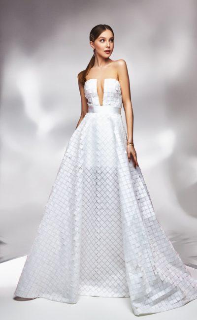 Свадебное платье с геометрическим декором