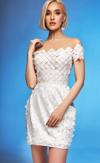 Короткое облегающее свадебное платье мини