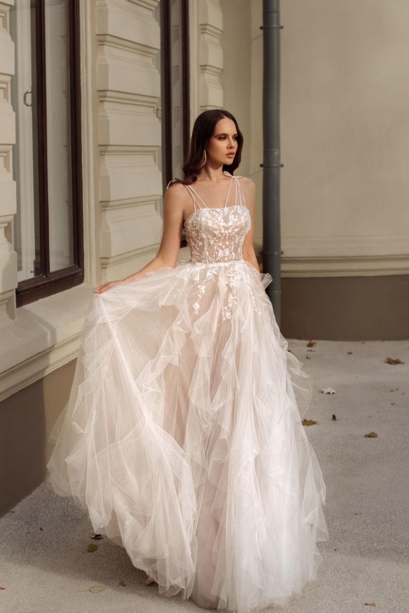 Очаровательное пышное свадебное платье