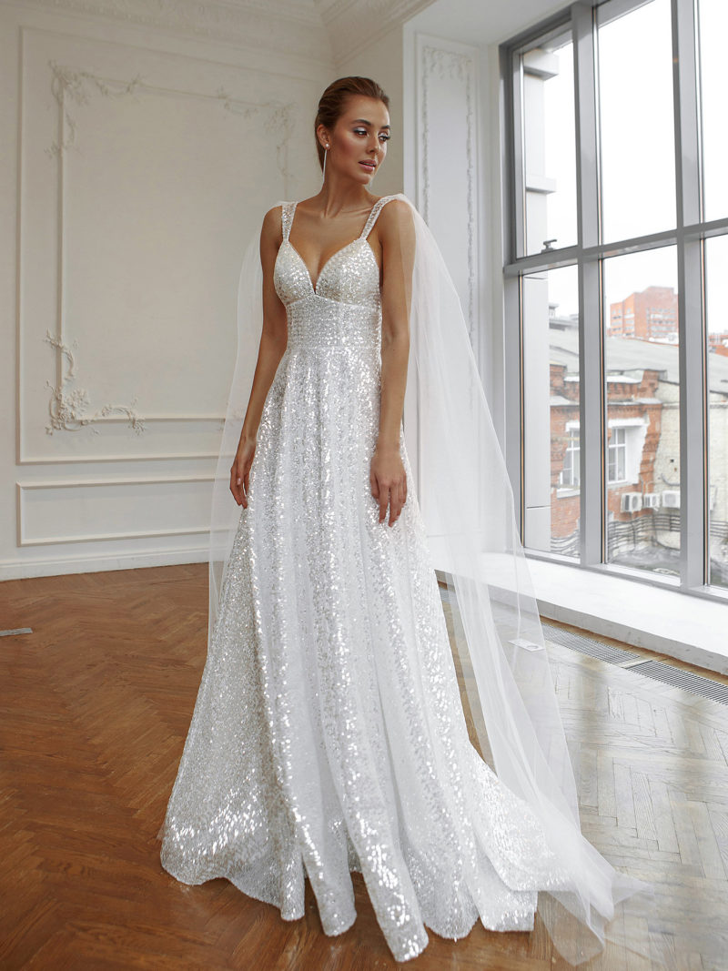 Блестящее прямое свадебное платье