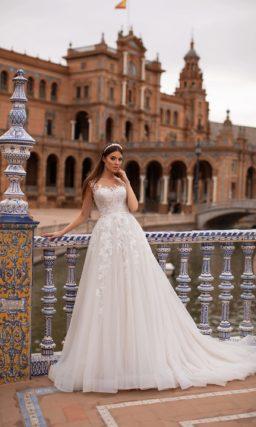 Свадебное платье с цветочным ажурным декором
