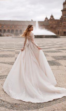 Свадебное платье жемчужно-серого оттенка