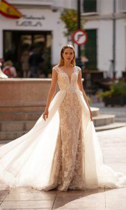 Свадебное платье из кружева и фатина