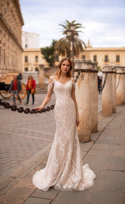 Свадебное платье кроя русалка