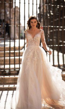Свадебное платье айвори с мерцающим декором