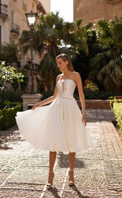 Короткое платье с плиссе