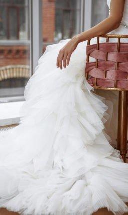 Свадебное платье силуэта годе