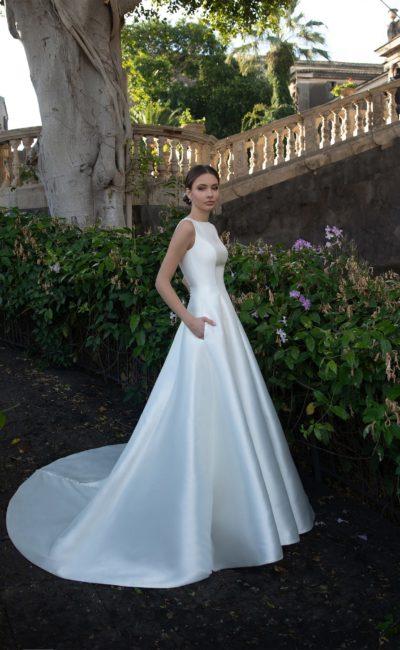 Блестящее свадебное платье красивое