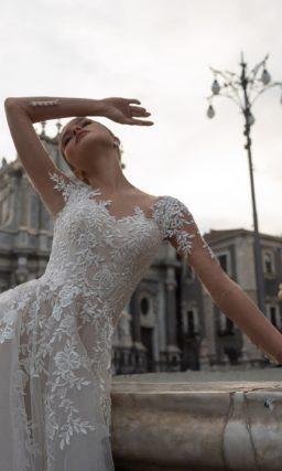 Платье с ажурным декором