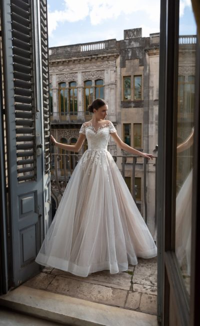 платье силуэта принцесса