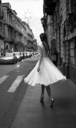Короткое свадебное платье с плиссе