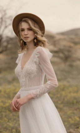 Свадебное платье с юбкой в греческом стиле