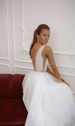 Свадебное платье с юбкой из фатина