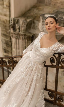 Свадебное платье из легкого пудрового фатина