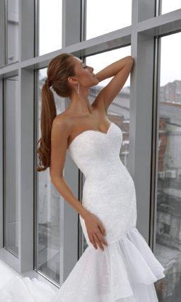 Свадебное платье «рыбка» с воланами
