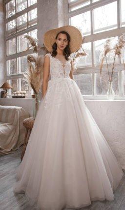 Свадебное платье с прозрачной спинкой